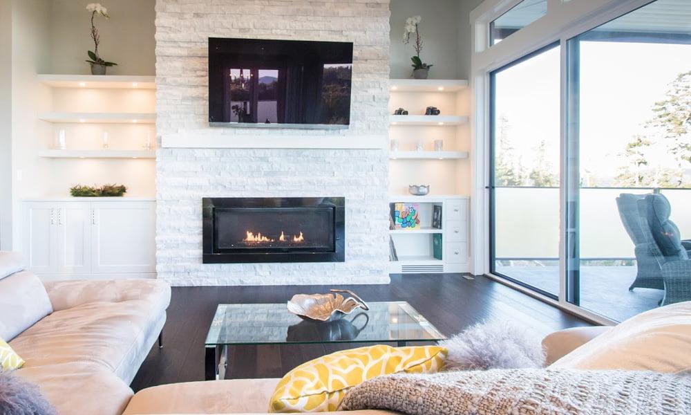 Quarzite Fireplace Wall